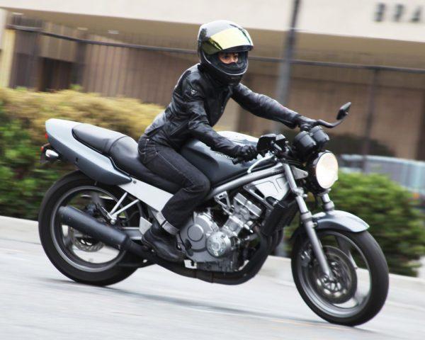 Motorrijles, motorrijbewijs, motor rijschool Harderwijk, motor rijschool Zeewolde